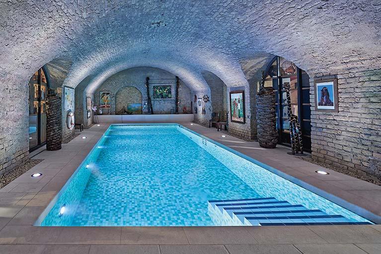 mlz pools wellness schwimmbadbau in kronberg. Black Bedroom Furniture Sets. Home Design Ideas
